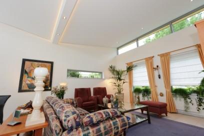 Plameco Wohnzimmerdecke mit Holzenbalken